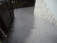 stopnice iz zganega granita G 603