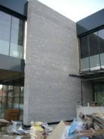 ureditev fasade FARMADENT iz cepljenga pohorskega tonolita