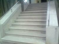 kamnite stopnice iz kraskega kamna